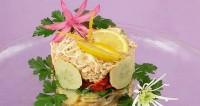 Салат-торт з лососем