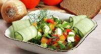 Салат «Зелений з шинкою»