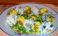 Салат з печінкою і печивом «Весела гусениця»
