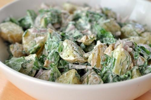 Салати з йогуртом: 7 рецептів