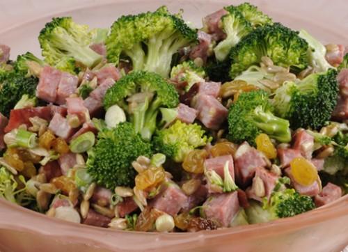 Салати з ковбасою