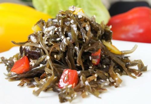 Салати з морською капустою і овочами - квінтесенція користі