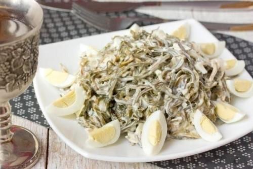 Салати з морською капустою і рибою: 7 рецептів