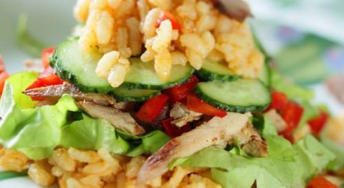 Салати з рисом і м'ясом: 5 рецептів
