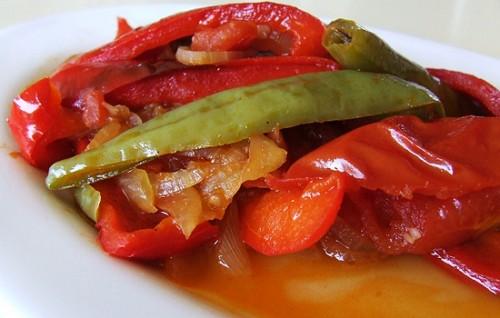 Салати з солодким перцем: 5 найсмачніших