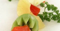 Шашлик з сьомгою і фруктами