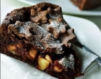 Шоколадно-яблучний пиріг «Казка»