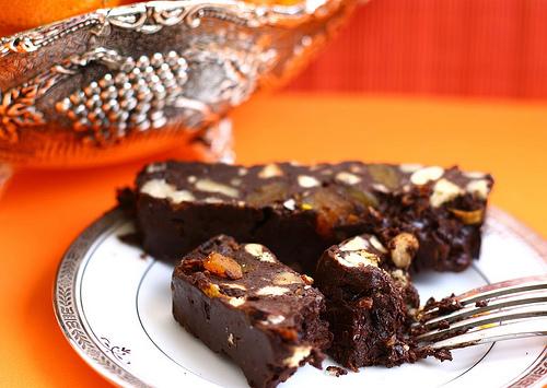 Шоколадний торт з холодильника