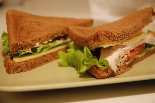 Сендвічі з куркою: 4 смачних рецепта