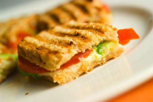 Сендвічі з рибою: 8 простих рецептів