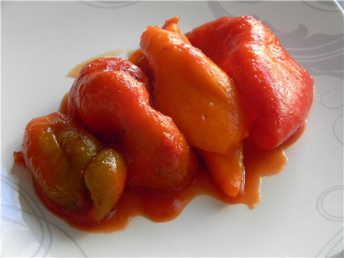 Солодкий перець в томатному соку