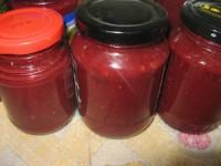 Сливовий соус з часником і аджикою