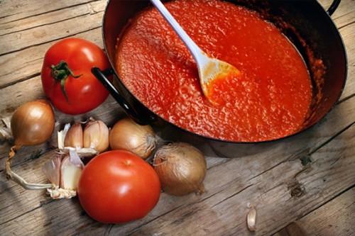 Соус з помідорів