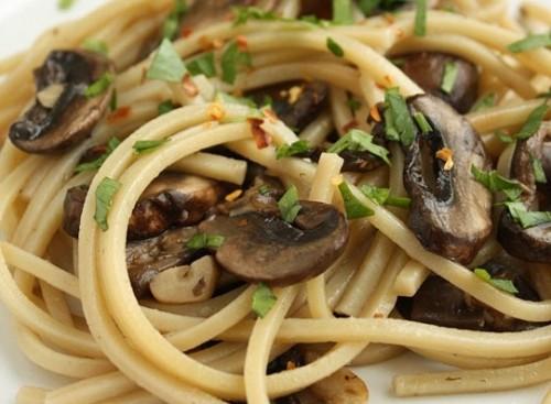 Спагетті і гриби: 4 рецепта смачних поєднань