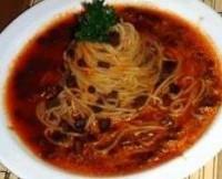 Спагетті з сирно-томатним соусом