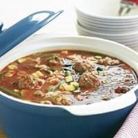 Суп з макаронами, овочами і фрикадельками по-італійськи
