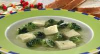 Суп з омлетом і брокколі