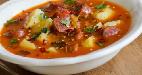 Супи з ковбасою: 7 рецептів вашого обіду