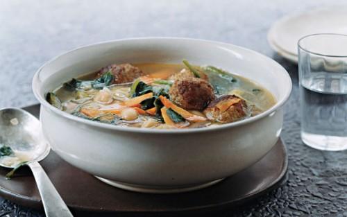 Супи з м'ясом в різних кухнях світу
