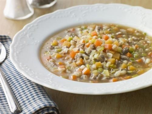 Супи з перлової крупою: 7 найкращих рецептів