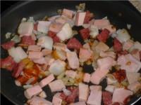 Свинина з копченостями і квашеною капустою