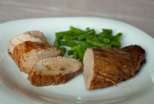 Свинина в соєво-імбирному маринаді