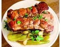Свинина, запечена з фенхелем і часником