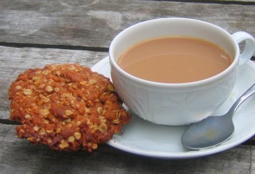 Татарський чай зі сметаною, вершками і сіллю