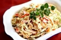 Теплий салат з курки, картоплі і солодкого перцю