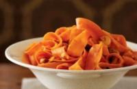 Теплий салат з морквою і горішками «Стрічки»