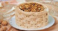 Торт «Кошик з горіхами»