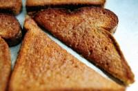 Тости з білого хліба з корицею