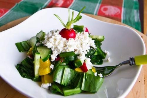 Сир: 5 дуже простих салатів з того, що завжди під рукою