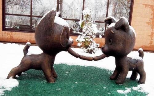 У Новокузнецьку встановили пам'ятник сосисці