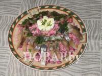 Вінегрет з оселедцем та маринованою цибулею