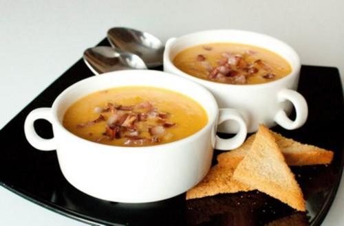 Смачні супи з беконом: 5 рецептів