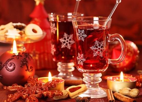 Зустрічаємо рік Змії - які напої вибрати для новорічного столу?