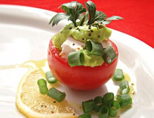 Закуска з фаршированих сиром Фета помідорів