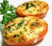 Закуска з помідорів, запечених з сиром