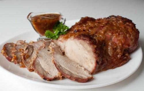 Запечена по-чеськи свиняча лопатка