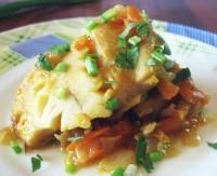 Запечена з овочами і майонезом риба