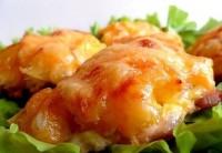 Запечена з сиром і ананасом курка