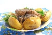 Запечена свинина на кісточці з картоплею