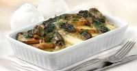 Запіканка зі спаржі, картоплі та сморчки