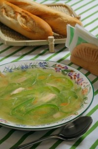 Зелений овочевий суп (курячий бульйон)